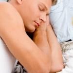 Regole per dormire bene: la riprogrammazione del sonno